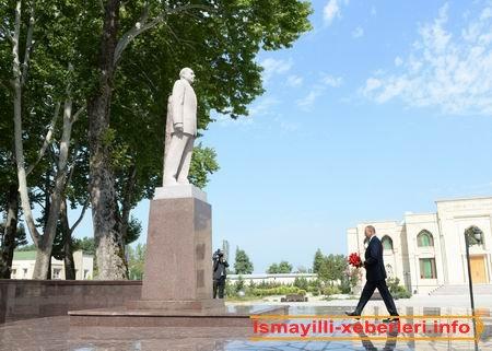 İsmayıllıda ulu öndər Heydər Əliyevin abidəsini ziyarət